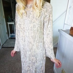 NWT H&M long sleeve shift dress with ribbed detail